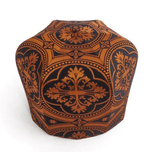 Мастерская Камилавка также производит колпак из узорной качественной ткани, что в отличии от бархата все же можно складывать.